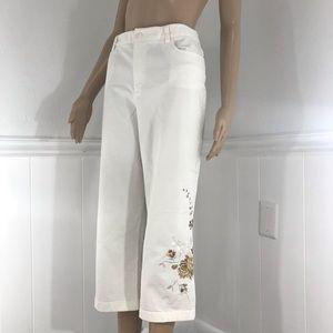Rafaella white embroidered capris size 12